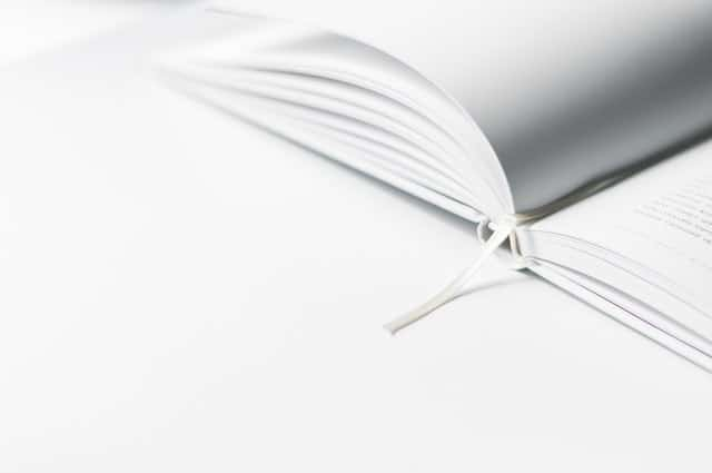 【風水で金運アップ】白色の財布は金運を呼び込む!